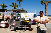 Corn on the cob/ candyfloss seller, Larnaca Promenade, Cyprus - Stock Image - E127WG