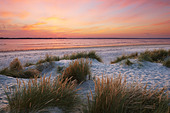 Sand dunes at East Head, West Wittering. A sand and shingle spit located at the entrance to Chichester Harbour - Stock Image - BPWT8F