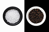 Rock Salt and black Peppercorns - Stock Image - C3C2HT